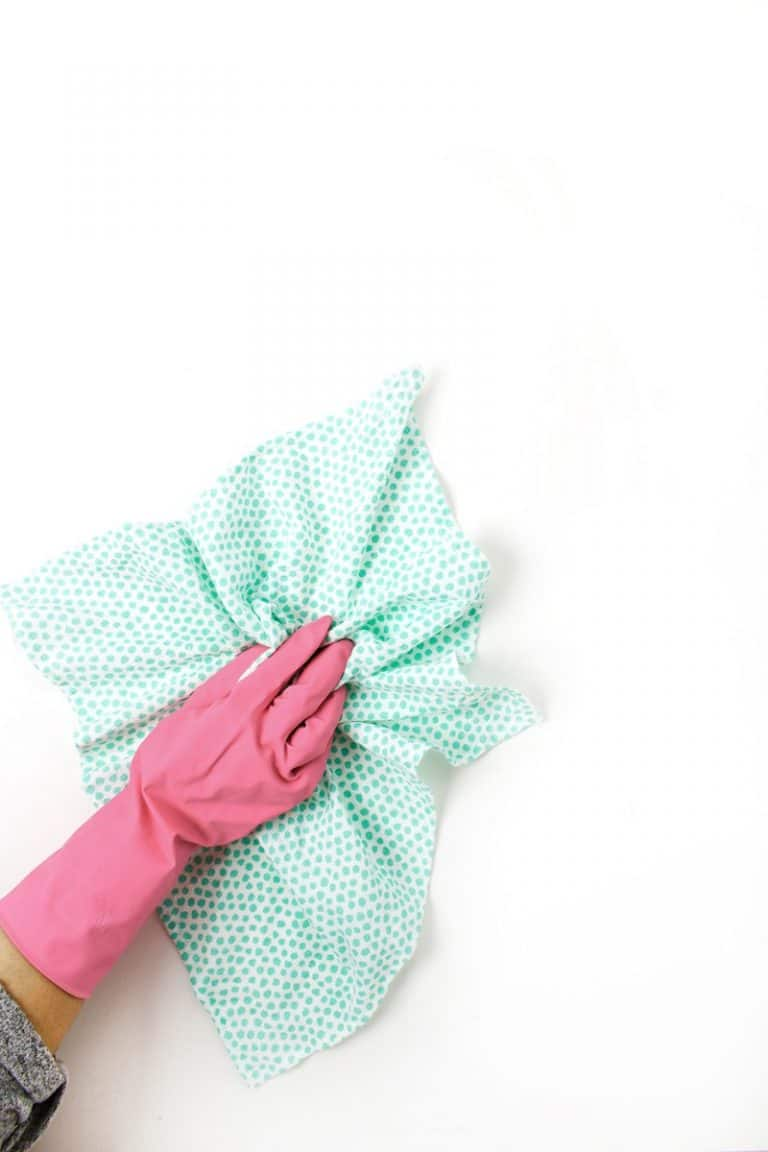 Keeping the House Clean with Microfiber Cleaning Rags