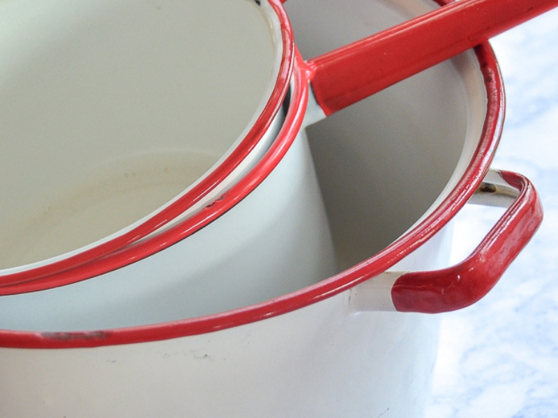 10 Nostalgic Kitchen Items You'll Find at Goodwill